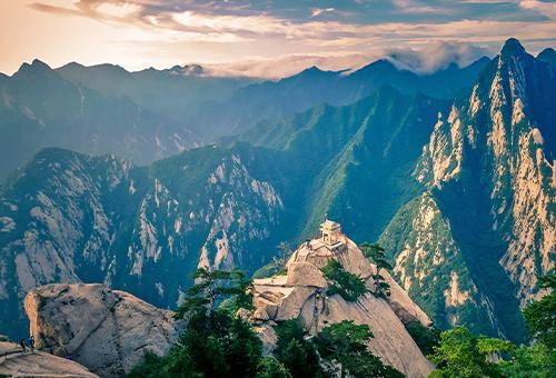 登臨華山感受華岳無限雄風