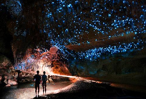 穿越令人驚嘆的地下洞穴