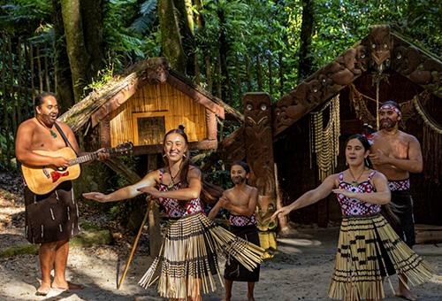 毛利人表演