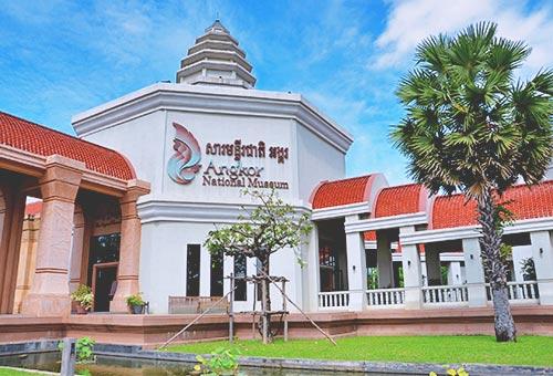 考察高棉文化留下的豐富遺產