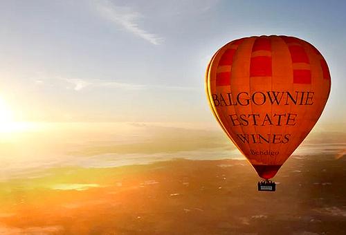熱氣球晨曦俯瞰亞拉河谷