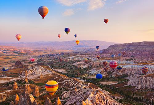 奇異夢幻大地 熱氣球升空景