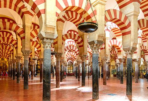 閱覽伊斯蘭教與天主教並存的清真寺