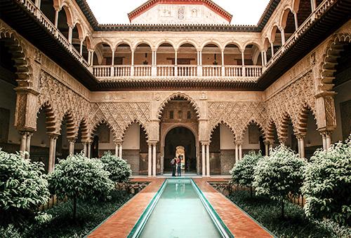 一覽皇室御用的奢華宮殿