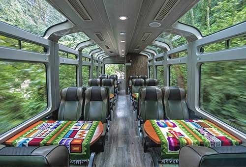 乘Vistadome火車享沿途美麗景緻