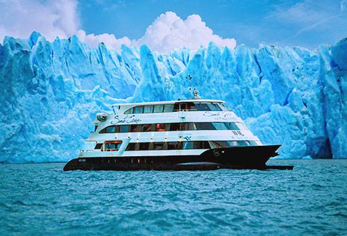 包船細賞冰川之美