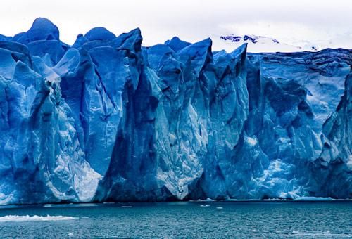 攝人心弦的深藍色冰川