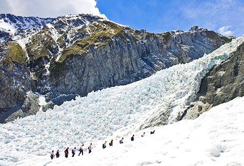 踏上冰川健行奇幻之旅