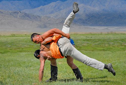 草原搏克力士摔跤競技
