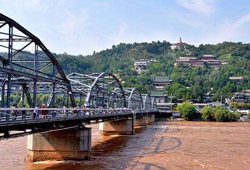 穿行黃河第一橋