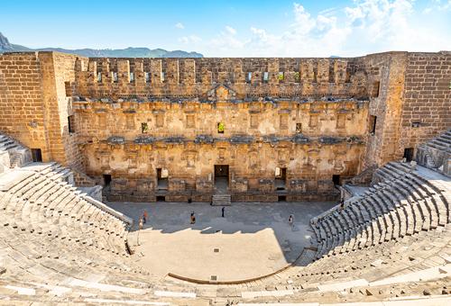 站在羅馬劇場中央 遙想當年