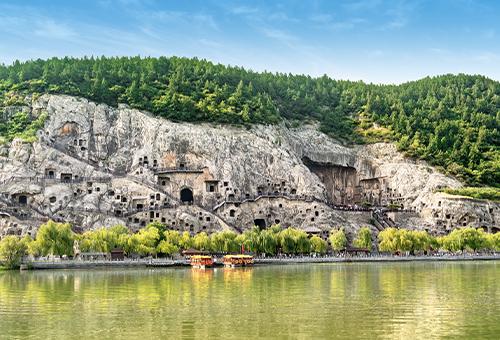 船遊龍門石窟