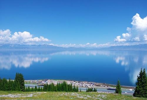 靜享賽里木湖的清幽寧逸