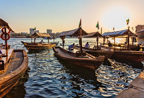 乘遊杜拜水上計程車