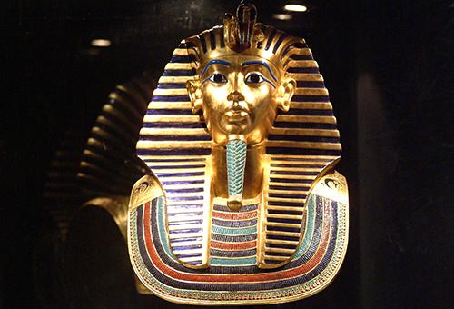 化身考古學家進入埃及博物館探索古文明