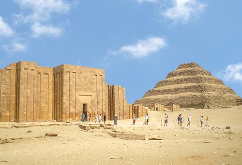 見證最早的金字塔 - 階梯金字塔