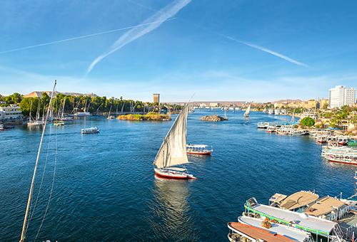 乘坐三角帆船再次飄向尼羅河