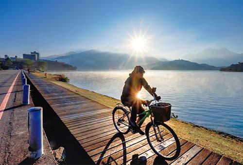 CNN 全球十大最美單車道遊湖