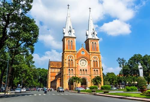 殖民時期留下的獨特紅教堂