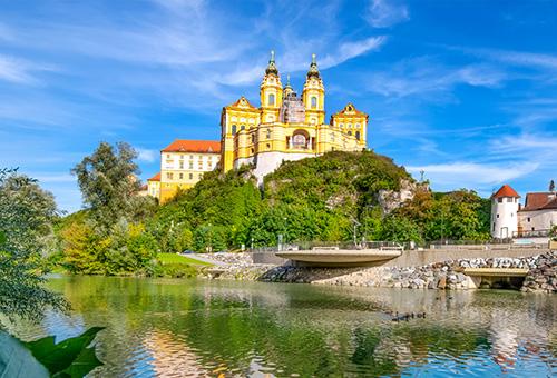 遊賞多瑙河畔最華麗的修道院
