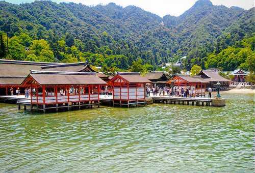 造訪漂浮在海上的世界遺產 - 嚴島神社