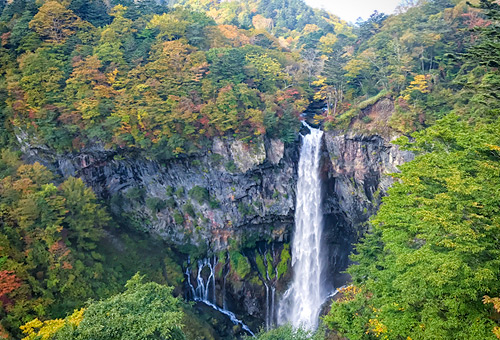 直擊日本第一華嚴瀑布震撼