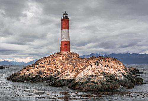 乘船遊海峽看世界盡頭燈塔