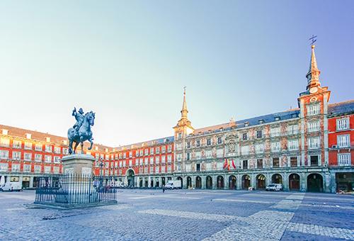 感受熙來攘往的馬德里主廣場