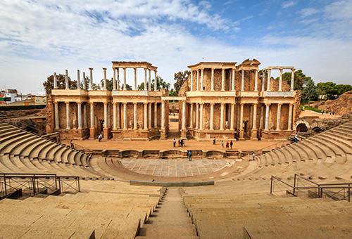 探訪規模龐大的古羅馬劇場