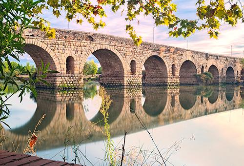 漫步世上現存最長古羅馬橋