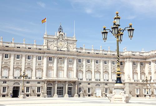 一訪豪華絕倫的馬德里大皇宮