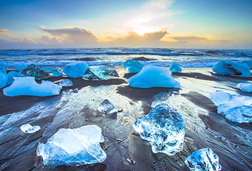 流冰點綴 沙灘上的點點繁星