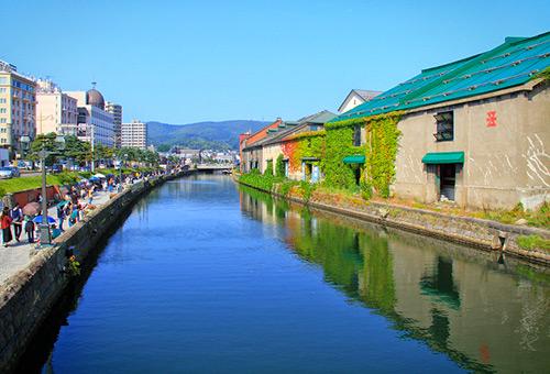 悠閒漫步於小樽運河邊