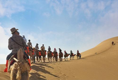 鳴沙山騎駱駝