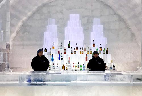 然別湖體驗冰上村Ice Bar歡樂氣氛