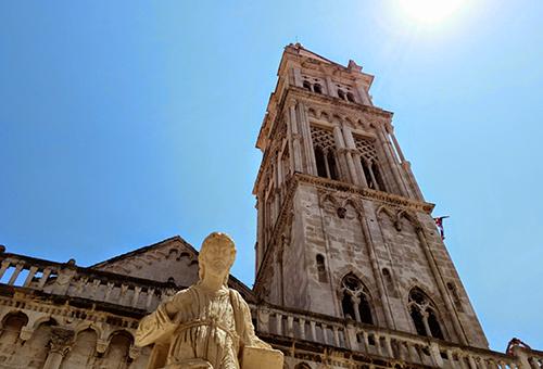 特羅吉爾的光榮「聖羅倫斯大教堂」
