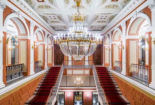 踏入時光迴廊 住進昔日沙皇宮殿