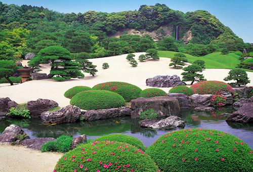 走進足立美術館如畫般的庭園美景