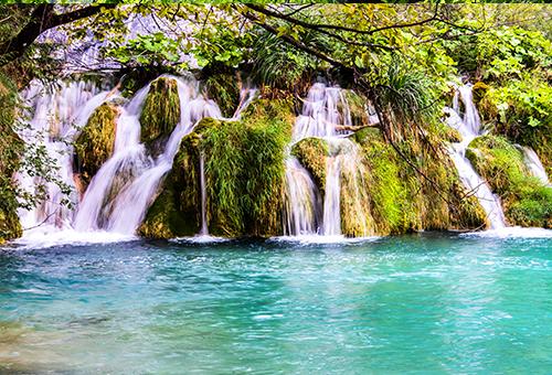 十六湖國家公園瀑布之美