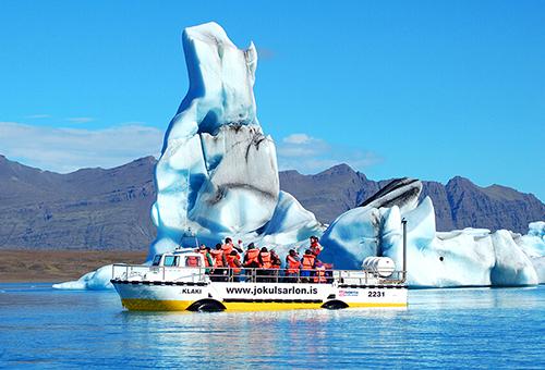 乘船到湖中央 徜徉千年浮冰之間