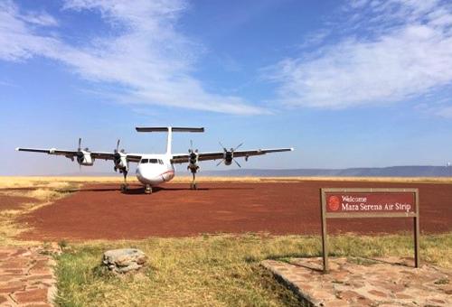 搭乘小飛機回奈洛比