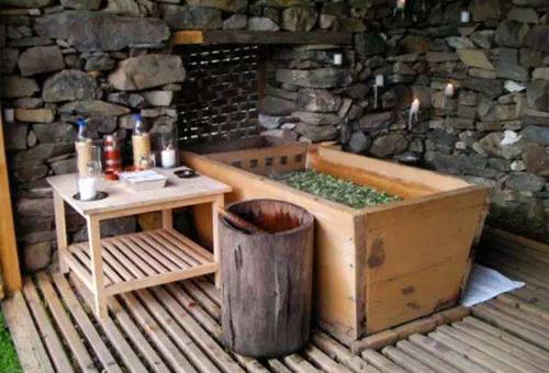 Hot Stone Bath