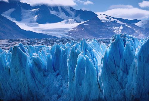 令人目不暇給的Upsala冰川