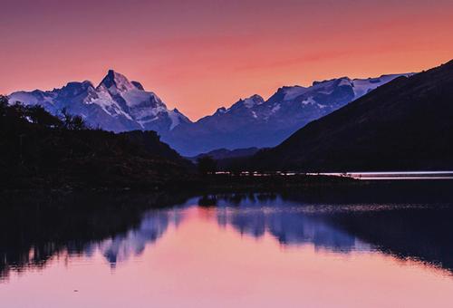 入住Lago Argentino湖畔酒店